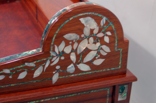 Roll top desk detail